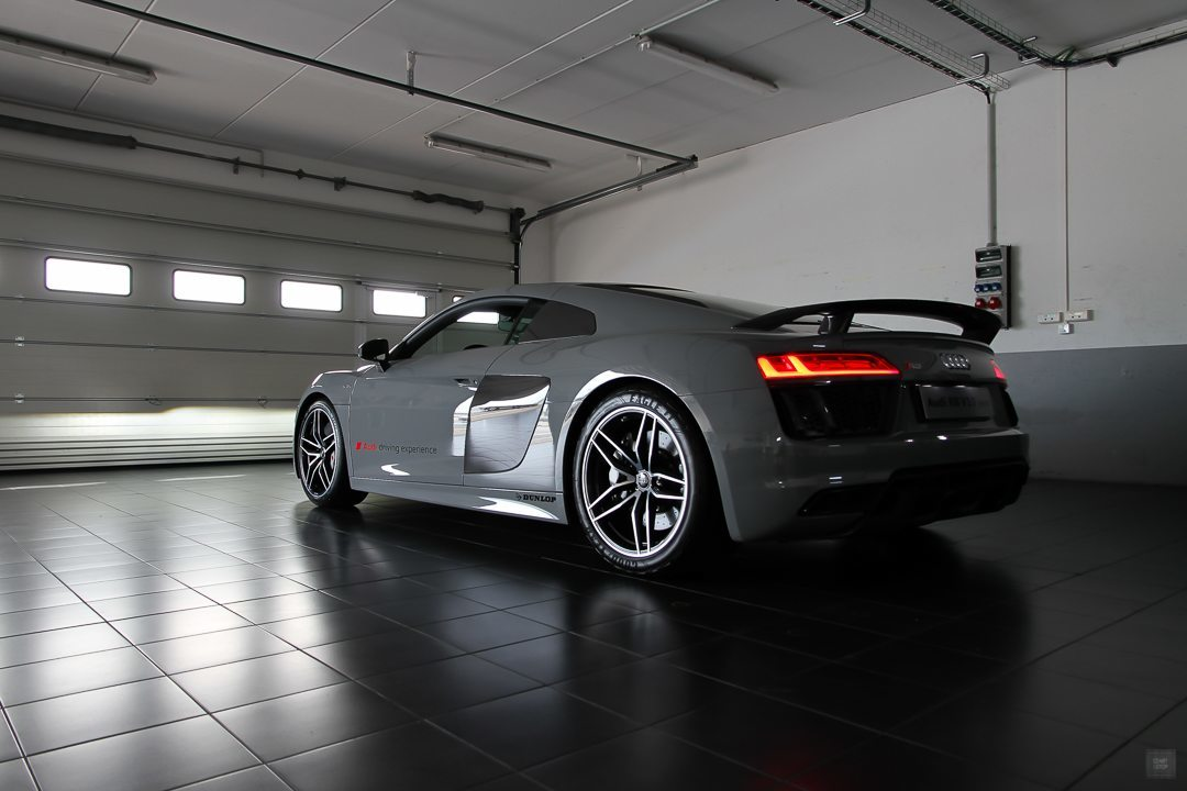 essai de l 39 audi r8 v10 plus sur le circuit du castellet. Black Bedroom Furniture Sets. Home Design Ideas