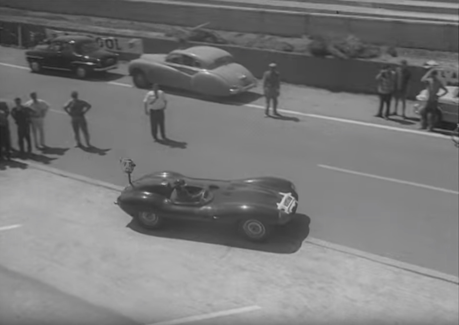 tour-circuit-24-heures-mans-mike-hawthorne-1956