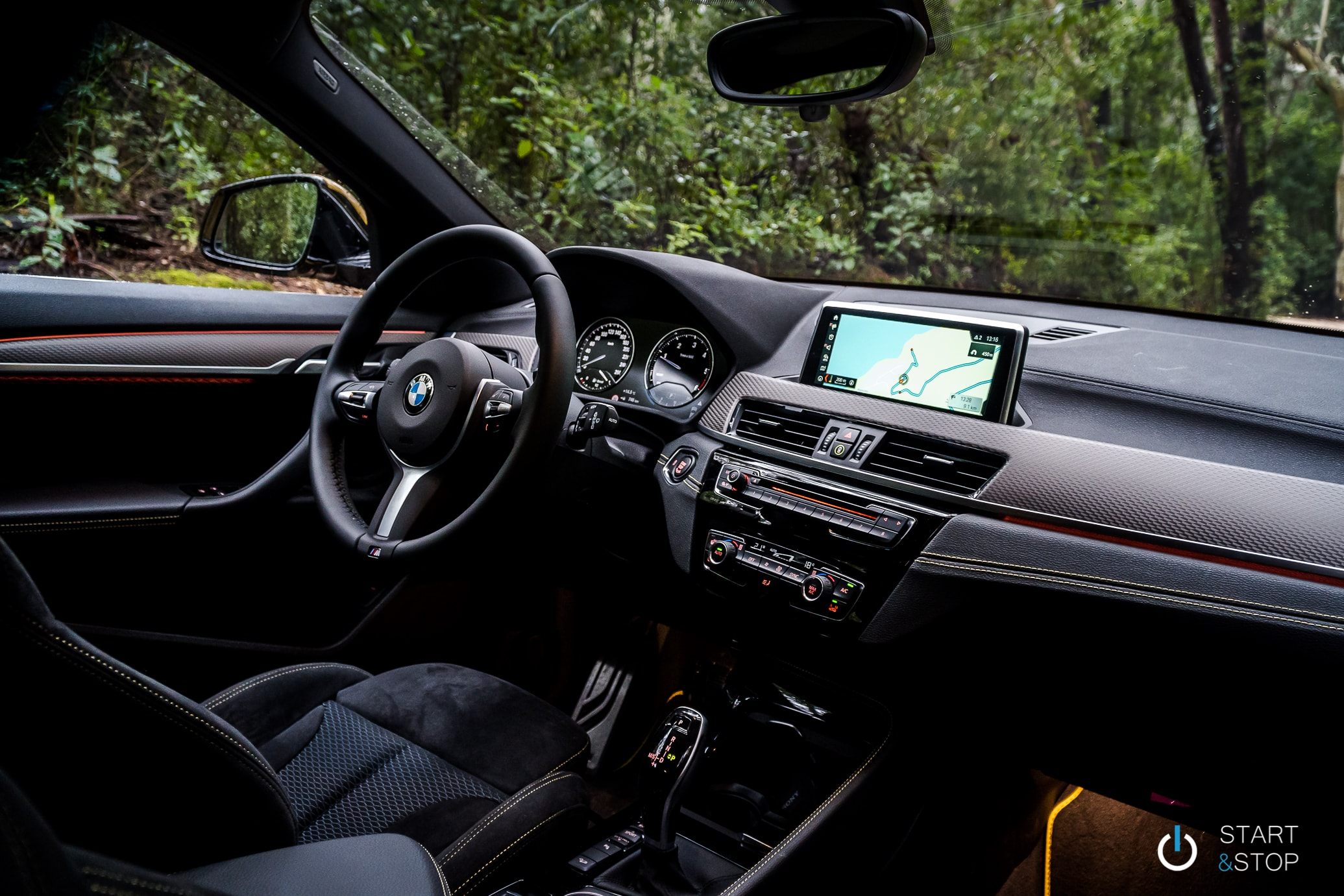 essai du suv audacieux bmw x2 sur les routes du portugal. Black Bedroom Furniture Sets. Home Design Ideas