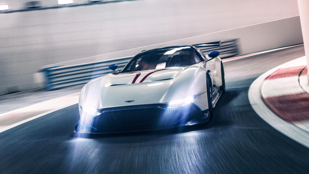 Top Gear teste l'Aston Martin Vulcan sur circuit