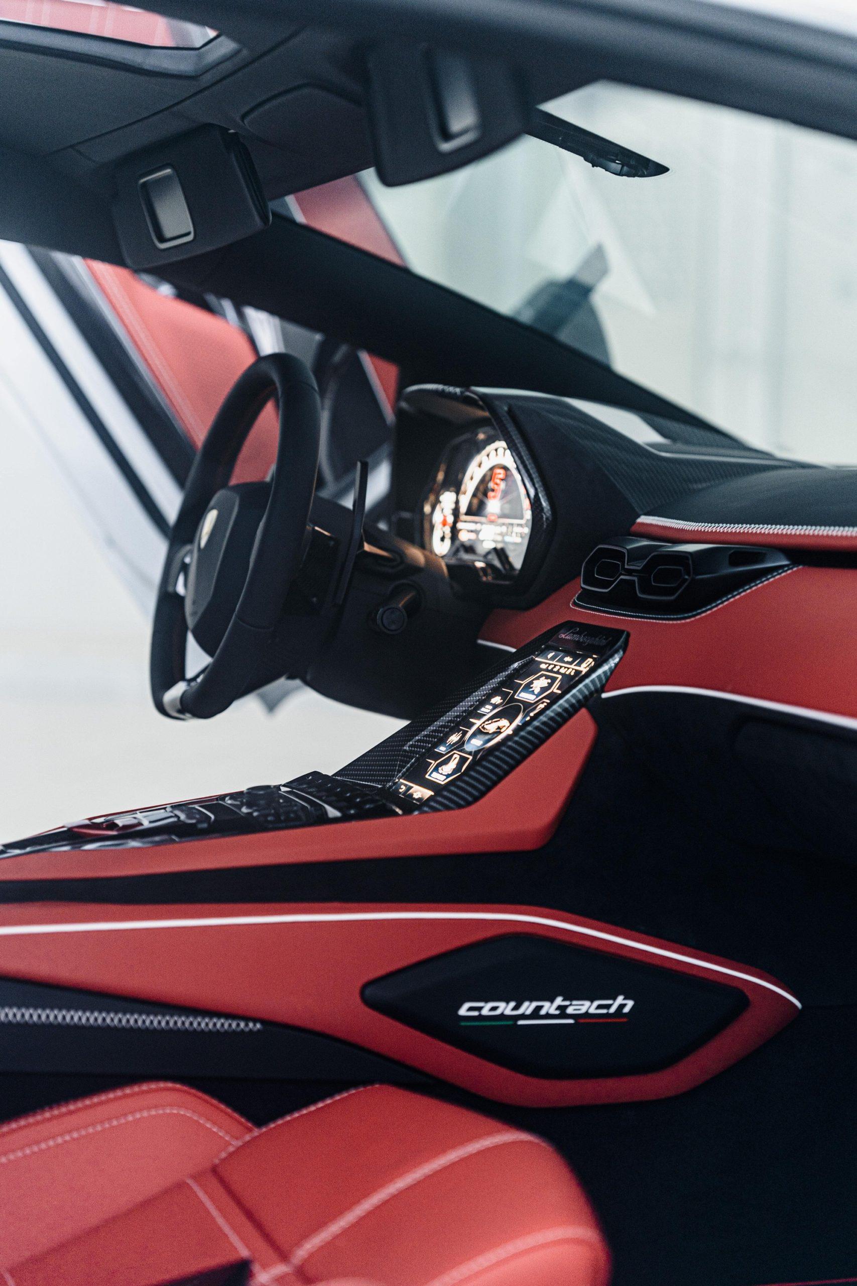 Intérieur Lamborghini Countach LPI 800-4